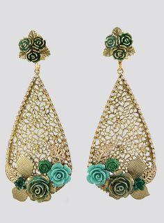Wire Earrings, Drop Earrings, Flower Lei, Chanel Pearls, Filigree, Jewelry Stores, Jewelry Design, Jewelry Making, Jewels