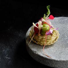 Restaurant De Zeeuw (@restaurantdezeeuw) • Instagram-foto's en -video's Chef's Table, Pudding, Desserts, Instagram, Food, Tailgate Desserts, Deserts, Custard Pudding, Essen