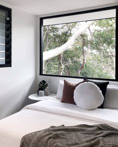 W I N D O W. G O A L S How beautiful is this treetop bedroom? We've chosen to show it right off by posititoning the bed beneath it with…