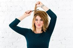 Hair Growth Tips. Healthy Tips For Getting Your Hair In Great Shape. The funds and time require to make your hair healthy and pretty make have you wondering if it is worth it. Teased Hair, Voluminous Hair, Down Hairstyles, Straight Hairstyles, Backcombed Hairstyles, 1960 Hairstyles, Fixing Short Hair, Back Combing, Hairstyle Look