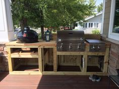 Rahmung im Grillbereich - Deb Kirby-Berg - Dekoration Outdoor Kitchen Plans, Outdoor Cooking Area, Backyard Kitchen, Outdoor Kitchen Design, Backyard Bbq, Deck Kitchen Ideas, Outdoor Grill Station, Bbq Area, Grill Area