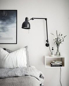 Scandinavian Bedroom Design Scandinavian style is one of the most popular styles of interior design. Although it will work in any room, especially well . Small Apartment Design, Small Apartments, Small Spaces, Small Desks, Small Small, Home Bedroom, Bedroom Decor, Bedroom Furniture, Bedroom Ideas