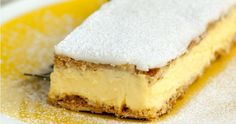 This Vanilla Custard Slice recipe is super easy to make, and uses home-made custard, and sheets of pastry. When you have a craving, you gotta indulge! Yummy Treats, Delicious Desserts, Dessert Recipes, Yummy Food, Custard Slice, Vanilla Custard, Desserts With Biscuits, Frozen Puff Pastry, Hungarian Recipes