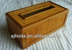Natural bamboo box with lid.