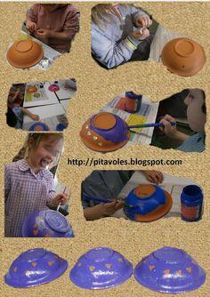 pitavoles: plats de l'escudella amb pintura i gomets