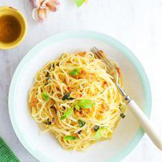 CHEC CU MORCOVI ȘI NUCI I Rețetă + Video - Valerie's Food Spaghetti, Vegan, Ethnic Recipes, Food, Essen, Meals, Vegans, Yemek, Noodle