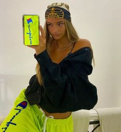Swag Girl Style, 2020 Fashion Trends, Types Of Fashion Styles, Aesthetic Clothes, I Dress, Pretty People, Fanfiction, Wattpad, Stylish