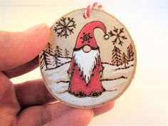 Created on wood slice - Wood burned pyrography santa decoration. Created on wood slice Wood burned pyrography santa decoration. Created on wood slice Wood Slice Crafts, Wood Burning Crafts, Wood Burning Patterns, Wood Burning Art, Wood Crafts, Diy Wood, Painted Ornaments, Wooden Ornaments, Diy Christmas Ornaments