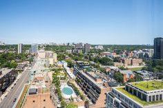 Booking.com: Ferienwohnung Jet Furnished Suites Yorkville , Toronto, Kanada - 69 Gästebewertungen . Buchen Sie jetzt Ihr Hotel! Toronto Hotels, Ontario, Yorkville Toronto, U Bahn Station, Jet, Paris Skyline, Travel, Toronto Canada, Viajes