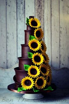 This gorgeous Sunflower is readymade by hand from gumpaste. Gumpaste flowers offer a way of decorating cakes hassle free for both professional and amateur decorators. Each flower is bound by bendable