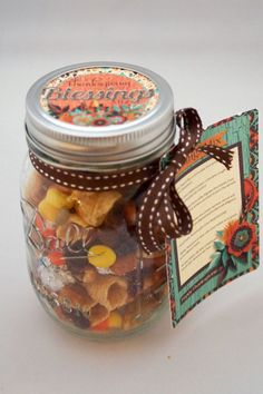 Find this at www.amandacreation.com Thanksgiving Blessings Mix Printable Mason Jar Gift Topper and Tag, the perfect gift for friends and family for Thanksgiving. #amandacreation