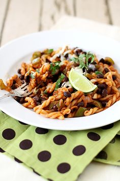 This recipe for Southwestern Black Bean pasta is a great pantry recipe for a 30 minute meatless meal! It features pasta with a smoky tomato sauce and plenty of black beans. Black Bean Pasta, Black Bean Spaghetti, Bean Recipes, Vegetarian Recipes, Healthy Recipes, Fast Recipes, Tasty Snacks, Yummy Food, Budget Recipes