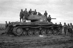 World History, World War Ii, Ww2 Pictures, T 34, World Of Tanks, German Army, Armored Vehicles, Troops, Warriors