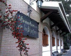 """#Granada - #Lanjarón - Oficina de Turismo - 36º 55' 12"""" - 3º 29' 27"""" / 36.920000, -3.490833  Frente al balneario de Lanjarón y en un entorno natural magnífico, nos ofrecen todo tipo de información de la localidad y de las Alpujarras, en general."""