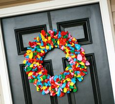 Balloon wreath! Picture ur christmas theme colors! Love this!