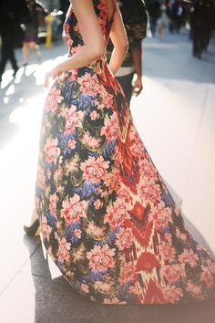 Oscar de La Renta navy & rose floral Russian ikat jacquard gown with high-low hem spotted on the 42nd St. NY #StreetStyle