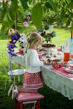 Room Seven Tableware – available at www.c… Room Seven Tableware – available at www. Summer Of Love, Summer Fun, Summer Time, Summer Barbeque, Barbecue, Scandinavian Garden, Country Picnic, Grandmas Garden, Family Picnic