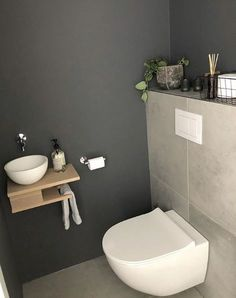 Showing 31 inspiring examples of a toilet .,Toilet - Showing 31 inspiring examples of a toilet .,- Showing 31 inspiring examples of a toilet .,Toilet - Showing 31 inspiring examples of a toilet . Small Toilet Room, Guest Toilet, Grey Slate Tile, Downstairs Bathroom, Bathroom Gray, Bathroom Wall, Bathroom Ideas, Modern Bathroom, Bathroom Remodeling