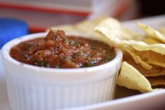 Always Order Dessert: Easy Homemade Restaurant-Style Salsa -- Food Blog and Recipes