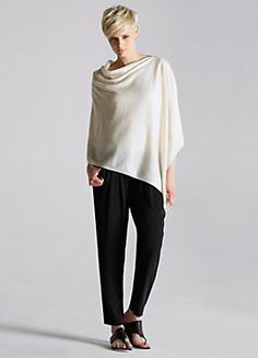 Shop women's casual clothing that effortlessly combines timeless, elegant lines with eco-friendly fabrics from EILEEN FISHER. 60 Fashion, Mature Fashion, Autumn Fashion, Cashmere Poncho, Knitted Poncho, Other Outfits, Cool Outfits, Kinds Of Clothes, Weekend Style