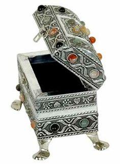 Gemstone Jewellery Box http://www.zenamart.com/index.php?categoryID=90