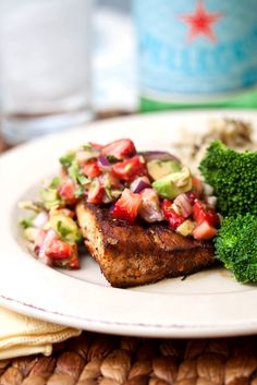 Mahi with Strawberry-Avocado Salsa. Blackened Mahi-Mahi with Strawberry-Avocado Salsa. It's getting to be strawberry season kiddos! Fish Recipes, Seafood Recipes, Cooking Recipes, Healthy Recipes, Fish Dishes, Seafood Dishes, Citrus Lemon, Cilantro, Paleo