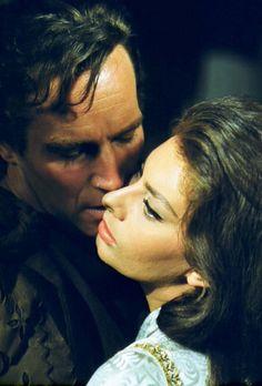 Charlton Heston and Sophia Loren. (El Cid. Anthony Mann, 1961)