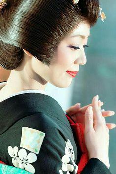 Asian Ladies, Kimono Dress, Japanese Culture, Asian Beauty, Samurai, Korea, Asian Woman, Women, Geishas