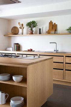 Home Decor Kitchen, Kitchen Interior, New Kitchen, Home Kitchens, Natural Kitchen, Kitchen Modern, Small Kitchens, Timber Kitchen, Wooden Kitchen