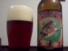 Cerveja Ballast Point Calico Amber Ale, estilo American Amber Ale, produzida por Ballast Point, Estados Unidos. 5.5% ABV de álcool.
