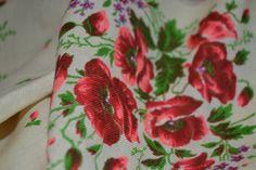 Vintage floral wool shawl Russian floral head by Lilivintagebox