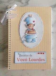 Estes cadernos de receitas foram produzidos para a festa de 80 anos da Vovó Lourdes . Foram produzidos 60 cadernos, decorado em scra...