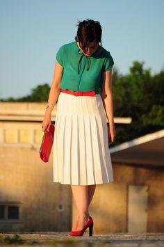 vintage white pleated skirt