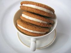 delicious ginger-lemon creme cookies. These look delicious! I want to make them!