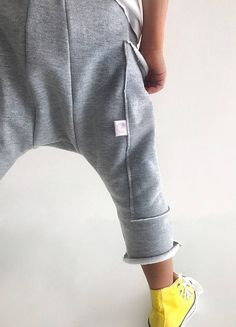 ***Toddler drop crotch pants*** Dress your little one in these stylish and moder… – Nhen fr Kinder… – Babykleidung & Kinderkleidung & Kindermode Harem Pants Pattern, Baby Pants Pattern, Drop Crotch Pants, Boys Pants, Stylish Kids, Boy Fashion, Boy Outfits, Urban Style, Carters Baby