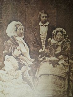 This is an 1856 daguerreotype of Queen Victoria, Princess Alice, Edward Prince of Wales, and Princess Mary. Princess Mary was born in How cool! Victoria is holding her hand? Queen Victoria Children, Queen Victoria Family, Queen Victoria Prince Albert, Victoria Reign, Victoria Post, Princess Victoria, Princess Alice, Princess Mary, Victoria's Children