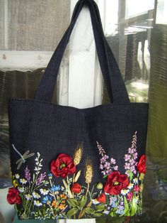 Wonderful Ribbon Embroidery Flowers by Hand Ideas. Enchanting Ribbon Embroidery Flowers by Hand Ideas. Embroidery Bags, Silk Ribbon Embroidery, Embroidery Stitches, Embroidery Patterns, Floral Embroidery, Ribbon Art, Market Bag, Embroidery Techniques, Handmade Bags