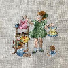 Mini Cross Stitch, Cross Stitch Rose, Christmas Cross, Embroidery Stitches, Needlework, Miniatures, Kids Rugs, Barn, Crafts