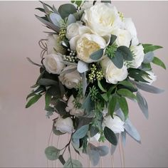 Cream Flowers, Cream Roses, White Flowers, Burgundy Wedding Flowers, Wedding Colors, Garden Roses Wedding, Bulk Roses, Mini Carnations, Long Stem Flowers