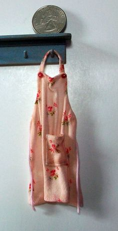 sweet apron, Marquis Miniature on etsy