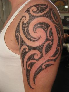 Borneo Tribal tattoos Design Blind Nobility Tattoo & Piercing Services, offers our customers a superior experience in tattooing.  Whether it's your first tattoo or you are a seasoned collector with tattoo pieces that span your body we customize our approach with each client.   Safety, cleanliness, and cutting edge tattoo art are our top priorities and it shows in the end results of our tattoos.