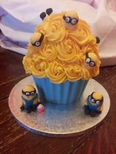Minion giant cupcake, all handmade