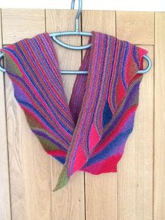 Good Vibrations Shawl By SaBine Vogelpoth - Free Knitted Pattern - (ravelry)