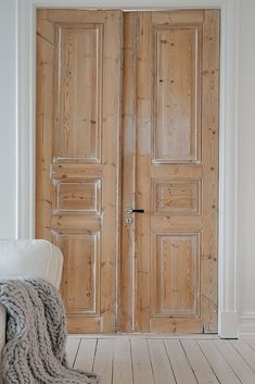 Going to strip my old doors just a wee bit like these are, then the wood will shine through. Love it.