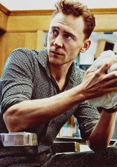 Mantra: I will always repin this photo of Tom Hiddleston.