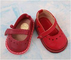 Добрый день, уважаемые жители сайта! Хочу поделиться с вами секретами пошива обуви. Возможно мои знания помогут Вам шить обувь не