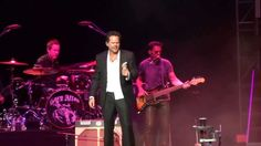 Gary Allan Daughters | Gary Allan - Watching Airplanes - St. Louis, MO 1/25/2014 - YouTube