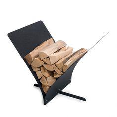 AK47/Portalegna portariviste Memo nero/Complementi d'arredo Log Holder, Wood Magazine, Magazine Holders, Outdoor Chairs, Outdoor Decor, Black Wood, Home Accents, Home Accessories, Modern