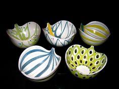 A selection of faience leaf bowls, Stig Lindberg, Sweden, Ceramic Bowls, Ceramic Pottery, Pottery Art, Ceramic Art, Pottery Painting, Swedish Design, Nordic Design, Scandinavian Design, Funky Design