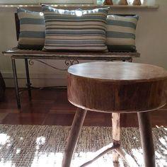 Destaque de hoje nosso banquinho! #vasticasa #cerâmica #design #sustentabilidade #sustentável #homedecor #criatividade #sustentabilidadebrasil #interiores #decoração #inspiração #brasilidades #higienópolis #instagood #rústico #sucesso #estilo #madeira #home #instalove #love #arte #instadaily #instadesign #bancos #almofadas #aconchego #luz by vasticasa http://ift.tt/1WpxxTs